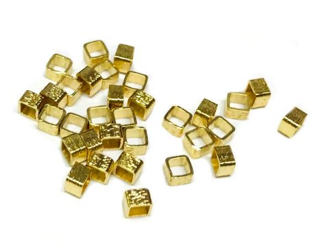 Mostacilla Gold Filled 3x3mm Cuadrada Satinada (10 Unidades)